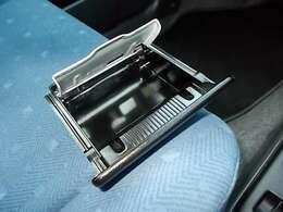 灰皿も未使用でキレイ!禁煙車になります♪お問い合わせはお気軽に0120-03-1190.sankyo8585@net.email.ne.jp☆
