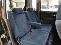 後席シート!使用感がほんとに少ないです。普段は、人を乗せたりもなかったようです!程度良好!