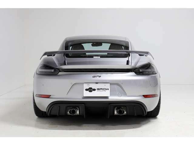 オプションで・GTシルバー・ブラックレザーインテリア・スポーツクロノ・サテンブラックホイール・LEDヘッドライト・電動ミラー・パークアシストリア・ステアリングセンターレッドマーキング・フロアマット