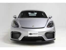 内外装共にコンディション良好で、初回車検の令和5年5月までメーカー保証がご利用いただけます。