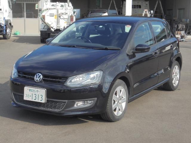 VWポロTSIハイラインのディーラー車右ハンドルの黒を入荷しました!!