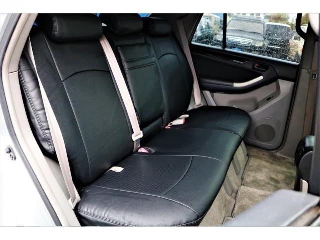 全席にシートカバーを取り付けています!純正シートを守る役割はもちろんですが、内装の雰囲気をガラッと変えてくれますよ★リフレッシュもかねて交換するのもありですね!!