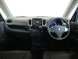 開放感あふれる広いガラスエリアと高めのアイポイントにより、運転席からの見晴らしは素晴らしいですよ!