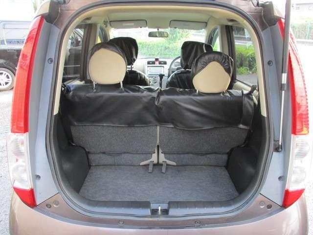荷室も沢山荷物が入ります♪軽自動車なりに空間の確保を考えるのは全メーカー同様の考えのようです。後部座席のアレンジもあるため、多彩な使い方が出来ます。一度現車にてご確認ください!!