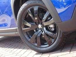 17インチのブラックホイールです。タイヤに使用感、ホイールに目立ったキズはありません。【プジョー大府:0562-44-0381】