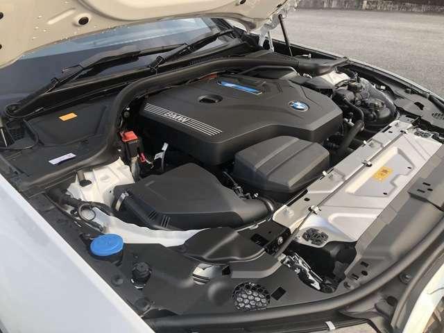 BMWはもともとエンジンが得意分野でこちらの車両もトルクフルでパワーがあるエンジンに仕上がっています。