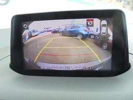 バックカメラも嬉しいアイテムです。駐車の苦手な方の強い味方です。擬似線で距離感もとりやすいです。