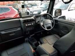 開閉可能ソフトTOP(幌) 黒革調シートカバー(全席) 社外CDコンポ ロールバー取付オーバーヘッドスピーカー SRSエアバック etc・・・