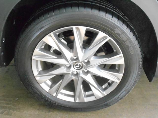 見た目だけでなく軽量化にもつながっており、少しでも軽くすることによって燃費にも貢献しております!存在感もあります!タイヤ側面の状態もご覧の通り!