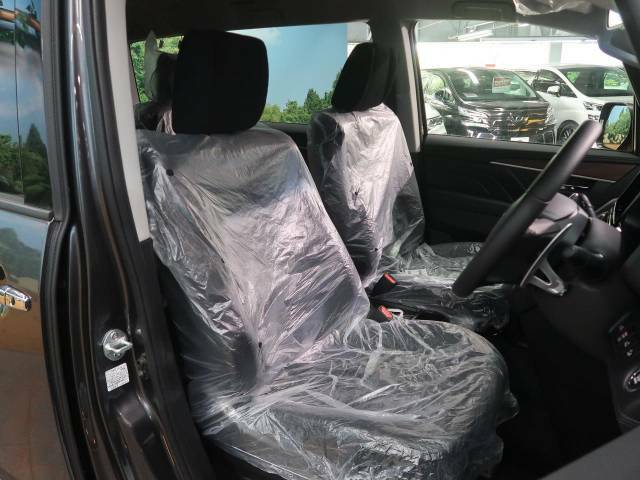 もちろん車内はキレイです♪よりクリーンな状態をキープしたいお客様には『ナノゾーンコート』がおすすめ!新型コロナウイルス対策や、除菌・消臭に効果を発揮し多くの方にご好評いただいております。