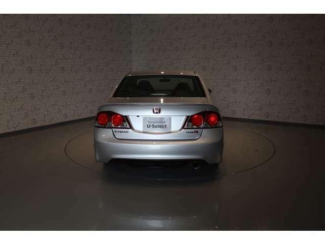 ご質問等がございましたらお気軽にお問い合わせ下さい。『Honda Cars奈良中央 U-Select郡山25号店』 TEL 0743-58-3888