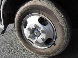 後輪4本新品タイヤへ交換済♪