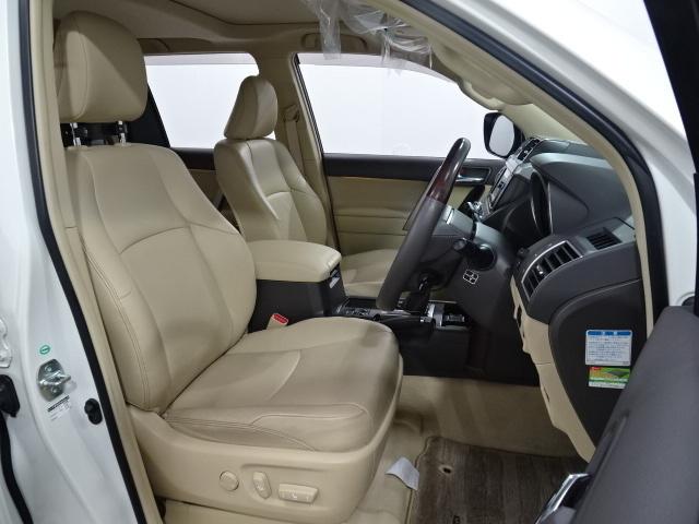 シートヒーターも運転席、助手席についております(^^♪寒い時期にはとても重宝します♪