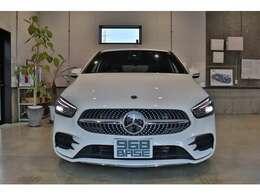 19モデル、右H、走行8,500km!新車保証&車検、令和4年10月までの安心車両!!