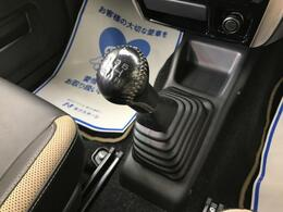 ☆5速マニュアルトランスミッション☆ジムニーを愉しめる5速MTです♪操作性も良く、運転しやすいですよ♪