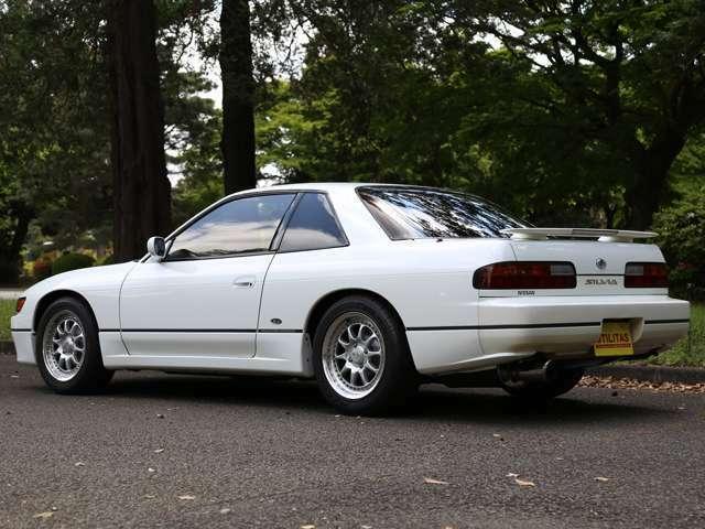 店主は180SXオーナーでサーキットをメインに使用してますので愛車はそこそこコンディションです。この1台みたいな上質S13は憧れますね!