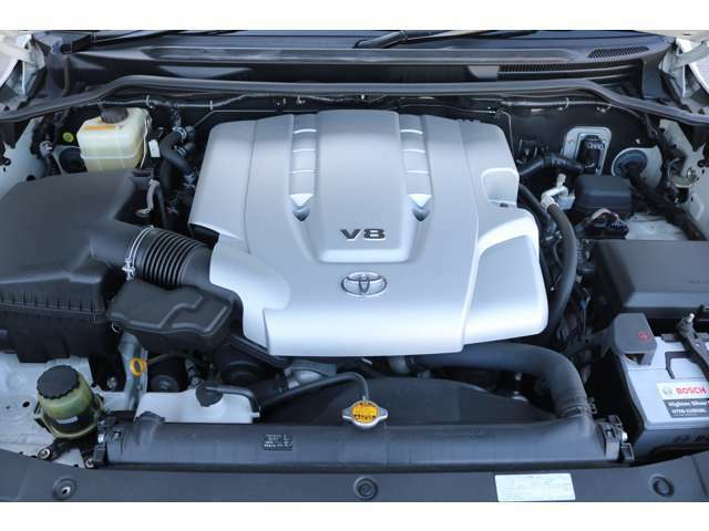 V8 4700ccの大排気量2UZエンジン搭載☆