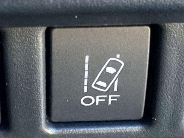 ◆車線逸脱警報機能【走行時に居眠り、わき見で車線を横切った瞬間に警報で危険を教えてくれます。】