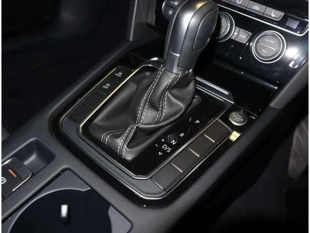 マニュアルモード付き6速DSGを装備、力強い走りと低燃費を実現!