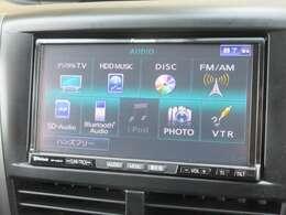 ナビゲーションはパナソニック製HDDナビ(CN-HB890D)を装着しております。AM、FM、CD、DVD再生、Bluetooth、音楽録音再生、フルセグTVがご使用いただけます。初めて訪れた場所でも道に迷わず安心ですね!