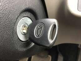 リモコンキー搭載です、ドアの開閉はボタン一つで楽々ですね。