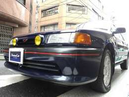 GT-Xの中でも、生産台数が極端に限られた4ドアセダンは、発売当時のままの純正フルノーマル仕様、無板金無塗装、土禁、屋内保管禁煙車という、マツダファン、4WDフリーク、WRCファン垂涎の個体です。