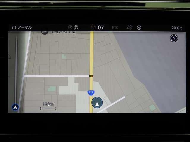 """☆""""Discover Pro""""8インチの大型フルカラータッチスクリーンに高レスポンスの大容量SSD64GBを搭載。従来のナビゲーションにはない、車両を総合的に管理する統合システムです☆"""