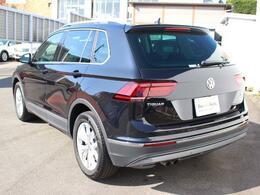 人気SUV、ティグアン4WDディーゼルターボ入庫いたしました。人気のブラックです。内外装や認定中古車保証についてなど、お気軽にお問い合わせください!