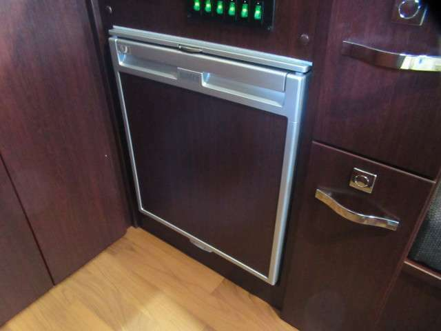65リッター冷蔵庫も標準装備です♪