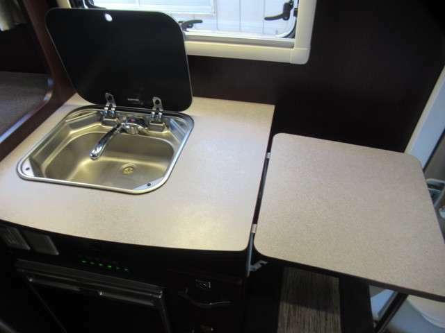 アシストテーブル付きキッチンカウンターです。