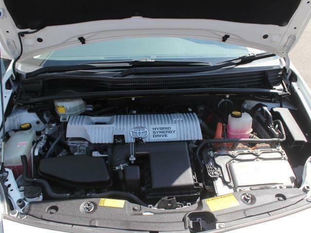 1.8Lエンジンにモーターを組み合せることで、2.4Lエンジン並みの加速性能と1.5Lエンジン以上の燃費性能を両立しています!