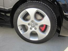 17インチアルミホイル 新品タイヤに交換いたします。ガリ傷あります。