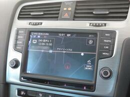 """純正""""Discover Pro""""8インチの大画面でナビ、車両を総合的に管理するインフォテイメントシステムです。"""