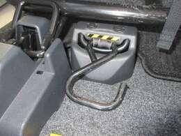 電動ウィンチ付き☆車いすの乗車をサポートします☆