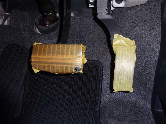 ペダルは汚れが付かないように、マスキングテープを貼ってあります♪