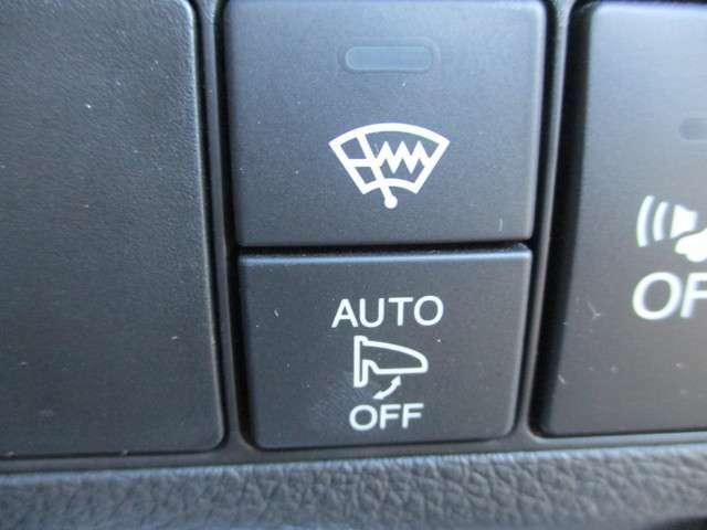 オートリトラミラー付き!ドアロックの開閉と連動してドアミラーも開閉します。遠くからでもドアロックの開閉確認が出来て便利ですよ。