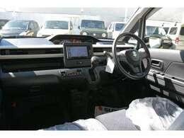 ブルーレイ搭載フルセグ地デジ高詳細ナビ、CD録音8倍速&Bluetooth接続&USB接続動画再生&バックカメラ&本体アンテナ分離型ETCユニット&フロアマットを取り付け済みでお渡しです!