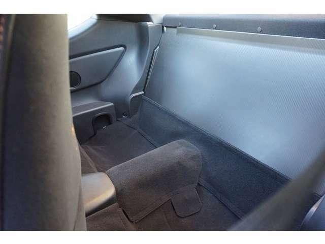 リヤシートレス(2シーター化) 車高調整式サスペンション(倒立式) ピロアッパーマウント付きでフロントのみキャンバー調整も可能!!