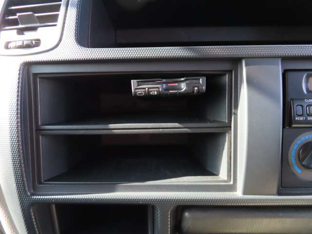 ETC車載器付きです。