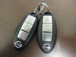 スマートキーとなっておりますので、ドアロックの開閉も楽々♪エンジン始動時も、鍵を差し込む必要がないのでスムーズに走り出せますね♪