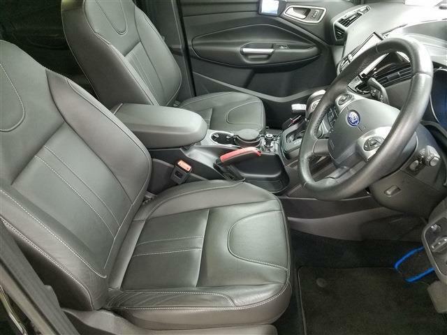 フォード自慢のハンドリングをドライバーシートに座って愉しみませんか