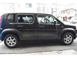 人気のブラック色です!7人乗りで車内スペースも広々ですね!ユーザー下取り車の為お買い得価格でご提供ですよ!ぜひぜひお気軽にお問い合わせ下さいね!