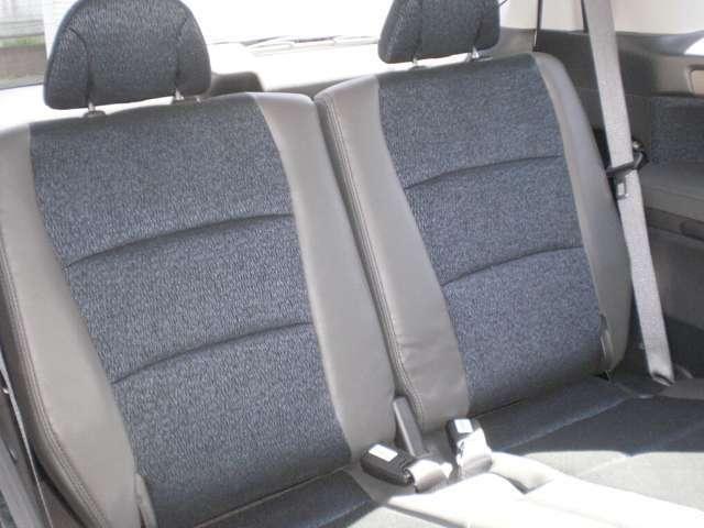 サードシートは使用感少なく綺麗