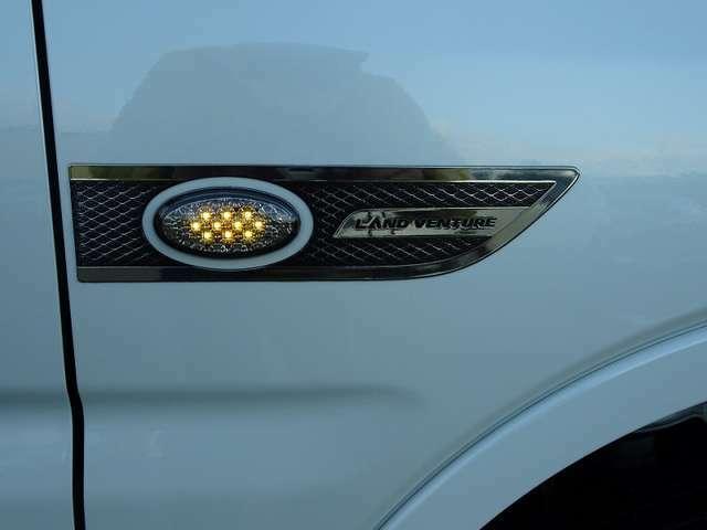 社外品LED流れるウィンカー!カッコイイですよ!