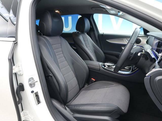●前席シート:ブラックを基調としたハーフレザーシートです♪すごく座り心地が良く疲れにくい仕様になっています。