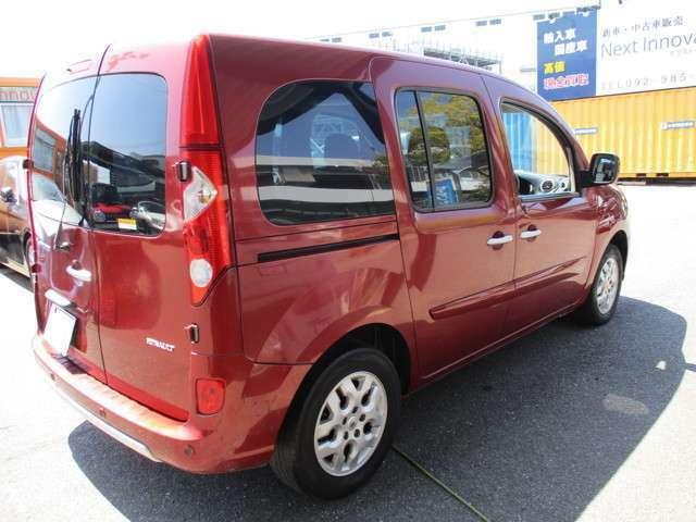 重厚感のあるボディは輸入車ならでは☆国産車にはない雰囲気を満喫できます。