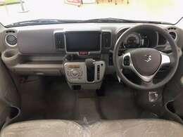 オーディオの取付位置も見やすい場所にあり、その他のスイッチ類も運転者が操作し易い様に配置されています。