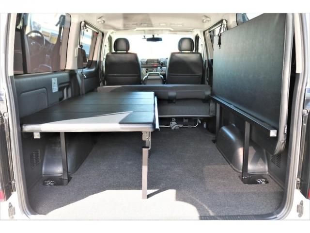 オリジナルFLIP-UPbed-Nを搭載!!就寝スペース・収納スペース共に確保が可能なベッドキットですよ!