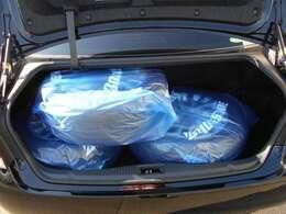 【広々室内】ラゲッジルームだって広々です!ゴルフ道具や引っ越しの時の荷物など沢山の荷物を積む事ができ便利な構造になっています★