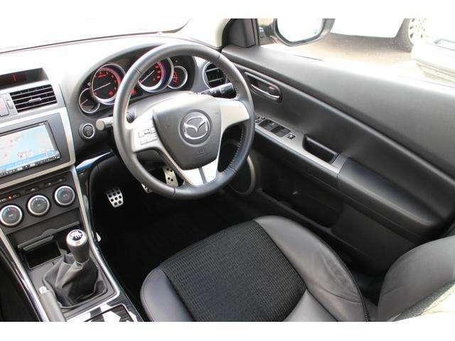 運転席のシートの状態も非常に綺麗!さすが走行15,9800キロ!!